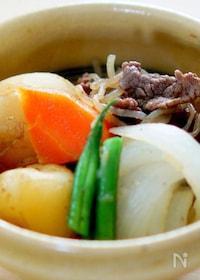 『ストウブ鍋で作る新玉ねぎと新じゃが芋の肉じゃが』