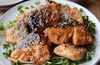 簡単♪鮭のごま甘酢照り焼き