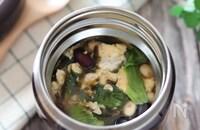 糖質オフ!塩昆布でレタスとお豆とふわふわ卵の中華スープ