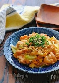 『鶏肉とキャベツと卵のチリソース炒め』