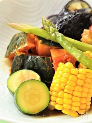 夏野菜の黒酢あんかけ