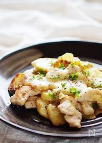 『薄切りポテトと鶏胸肉の重ね焼き』