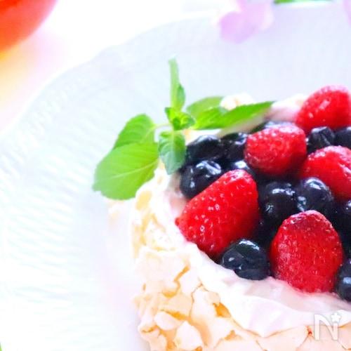 【簡単スイーツ】メレンゲを焼いたお菓子「パブロバ」の作り方
