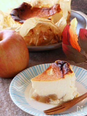 秋の味覚たっぷり♡美味しいりんごのバスクチーズケーキ