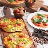 アボカドベーコンのカレーマヨとマルゲリータのトルティーヤピザ