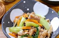 ご飯がすすむ中華おかず☆『豚こま肉と青梗菜の中華炒め』