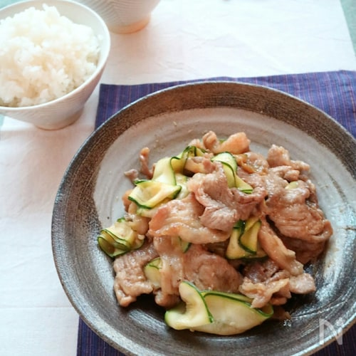 ご飯が進む!10分でできるズッキーニと豚肉の生姜焼き!