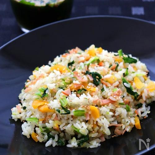 たくあんと青菜の塩チャーハン