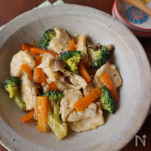 鶏むね肉とブロッコリーのあっさり中華炒め
