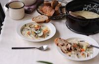【栁川さん家の休日朝ごはん~第7回~】寒い日の朝ごはんに、クラムチャウダーでほっと温まる温朝食