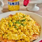 コーン入りふわとろチーズ卵がけ鶏むね肉のケチャップ炒め