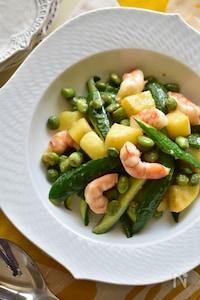 ほんのりわさび♡海老ときゅうりと枝豆のおつまみホットサラダ。