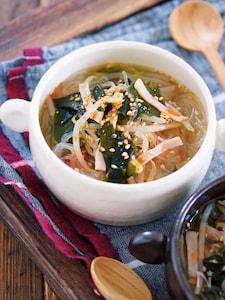煮るだけ3分♪『わかめともやしの韓国風はるさめスープ』