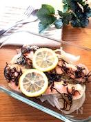 レンチンで簡単♡生鮭と新玉ねぎの爽やかレモン塩昆布蒸し
