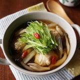 身体ポカポカ♡鶏団子ときのこの中華スープ