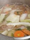 圧力鍋で楽々!野菜くずから「ベジブロス」