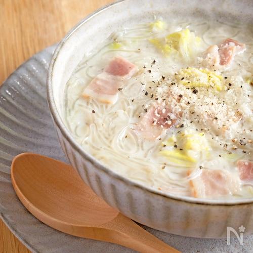 寒い日にぴったり♪白菜の豆乳スープ