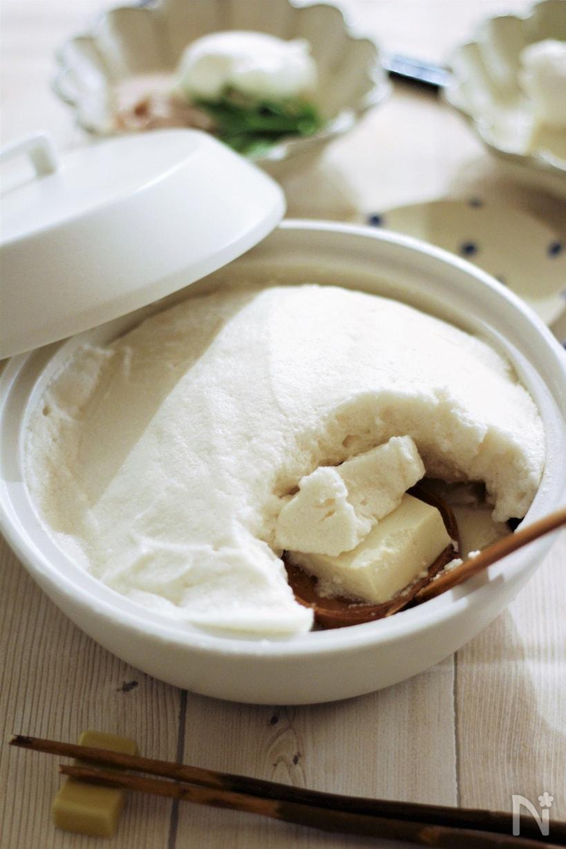 白井鍋に入っている、豆腐しゃぶしゃぶ