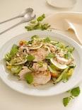 鶏むね肉のアジアンボリュームサラダ