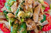 レンジで簡単♡蒸し鶏と叩ききゅうりの棒々鶏風サラダ