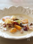 芋、栗、かぼちゃの牛乳スープ、白みそバター風味
