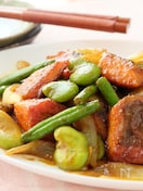 〈くらし薬膳〉鮭とそら豆のカレー炒め