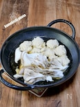 ストウブ鍋ウォックで「肉団子とキノコの鍋」