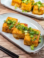 節約ヘルシーおかず『韓国風豆腐の甘辛ステーキ』