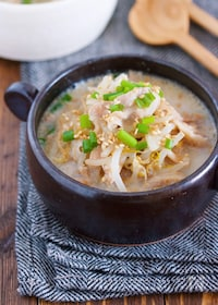 『煮るだけ5分♪『豚バラもやしのとんこつ風♡ごま味噌スープ』』