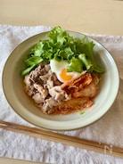 食べすぎ注意の 豚しゃぶサラダビビン麺