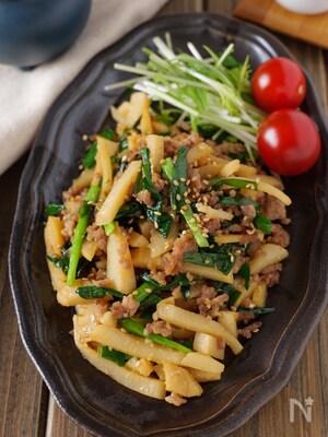 【ご飯に乗せたい】豚ひき肉とタケノコにらの濃厚オイ味噌炒め
