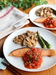 鮭のムニエル*フレッシュトマトソースがけ