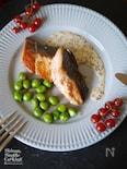 鮭とグリンピースのガーリックソテー|ハニーマスタードソース