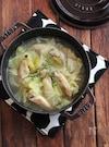 くたくたキャベツと骨付きチキンのスープ。