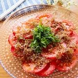 あまじょっぱいが美味しい♡トマトとじゃこのさっぱり中華サラダ