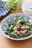 牡蠣だし醤油で決まる♡牡蠣とサラダほうれん草のベーコン炒め
