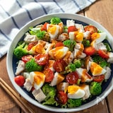 サラダだけで大満足!『鶏むね肉の韓国風デリサラダ』