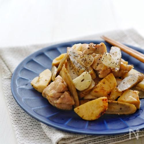 京風割烹白だしで*鶏とごぼうとたけのこのガリバタ白だし炒め*