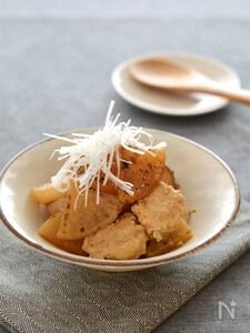 鶏だんごと焼き大根の煮物