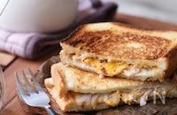 【栁川さん家の休日朝ごはん~第8回~】フライパンで簡単!カリッとほかほかホットサンドの朝ごはん