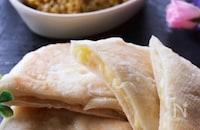 約30分で完成!?簡単すぎる不思議パンのとろけるチーズナン