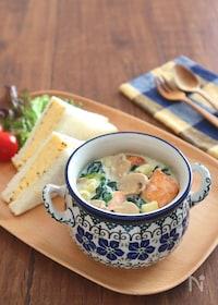 『食べるスープ♪ほうれん草とサーモンのクリームスープパスタ』