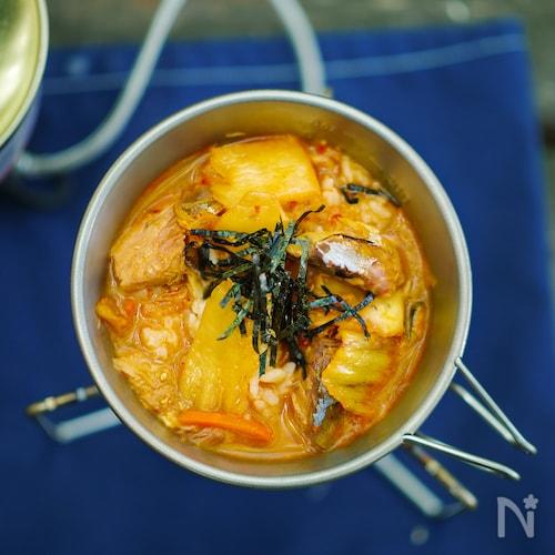 サバ味噌煮で作るキムチクッパ