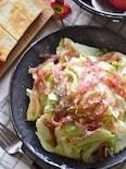 メープルがたまらない♡キャベツとハムのホットサラダ。
