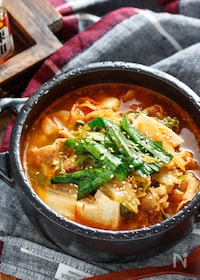 『豚バラ白菜と豆腐のチゲ風おかずスープ【#簡単 #包丁不要】』