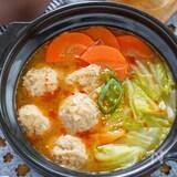~生姜でぽかぽか~ねぎたっぷり辛味と酸味の中華風肉団子汁