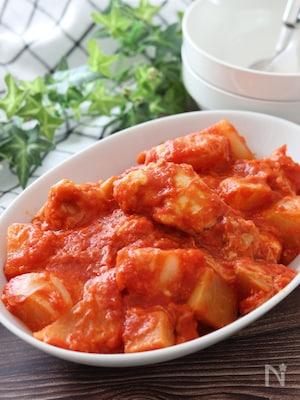 味噌が隠し味♡手羽元と大根のトマトチーズ煮込み