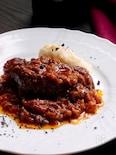 黒こしょうと赤ワインでほろほろに煮込んだ*牛ほほ肉のペポーゾ