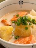 ボリューム満点 鮭とじゃがいもの石狩風スープ