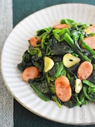 【冷凍野菜で簡単】ほうれん草とソーセージのソテー